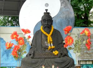 Statue-of-Lao-Tzu